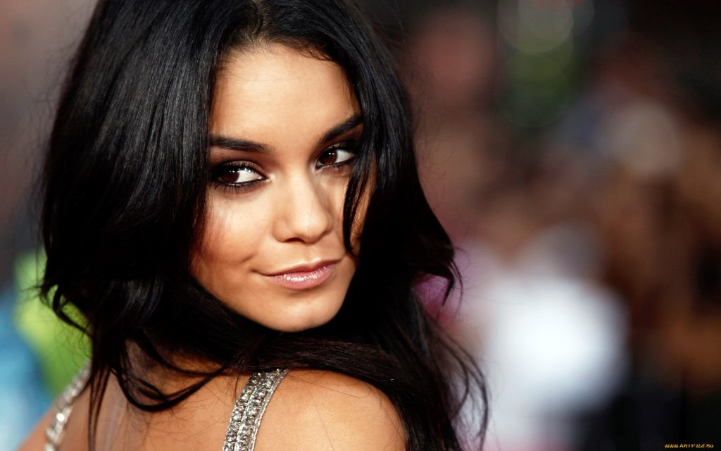 Vanessa Hudgens Widescreen Background