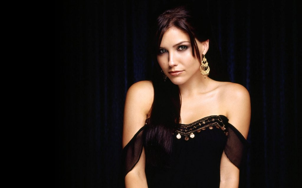 Sophia Bush Widescreen Background