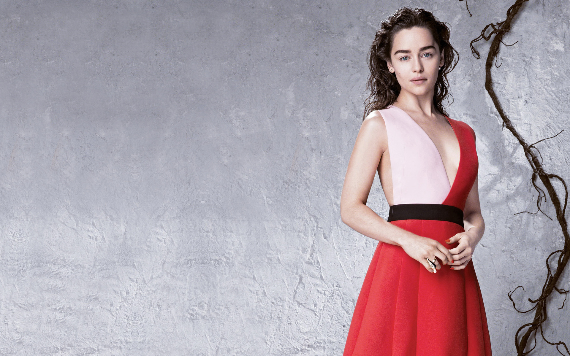 Emilia Clarke Hd Wallpapers Pictures Images