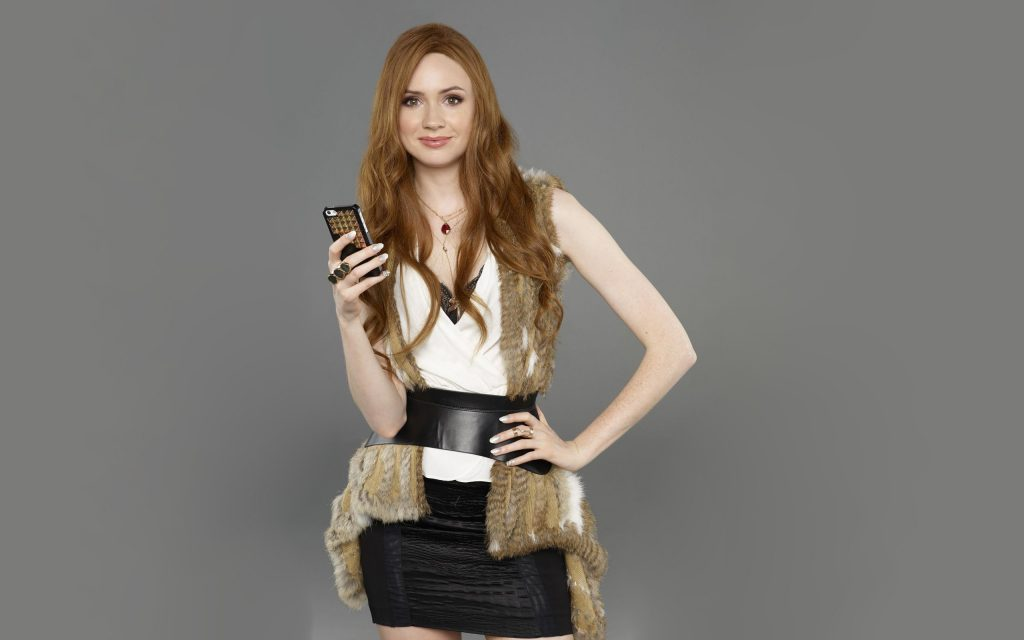 Karen Gillan Widescreen Background
