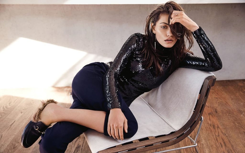Phoebe Tonkin Widescreen Background