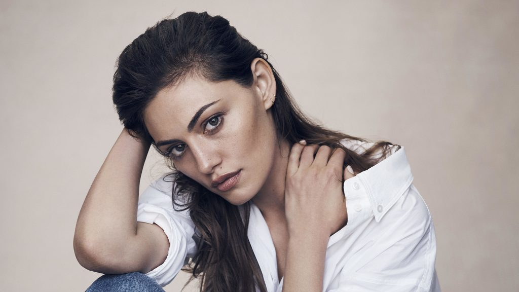 Phoebe Tonkin Dual Monitor Background