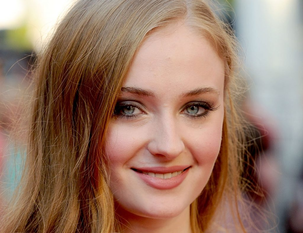 Sophie Turner HD Wallpaper