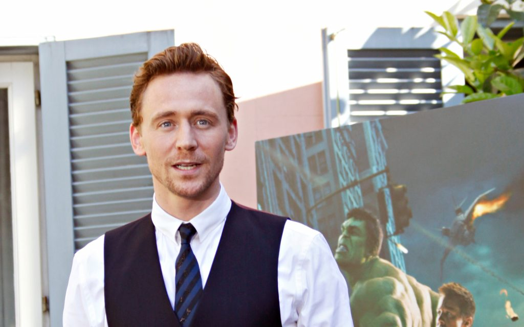 Tom Hiddleston Widescreen Wallpaper