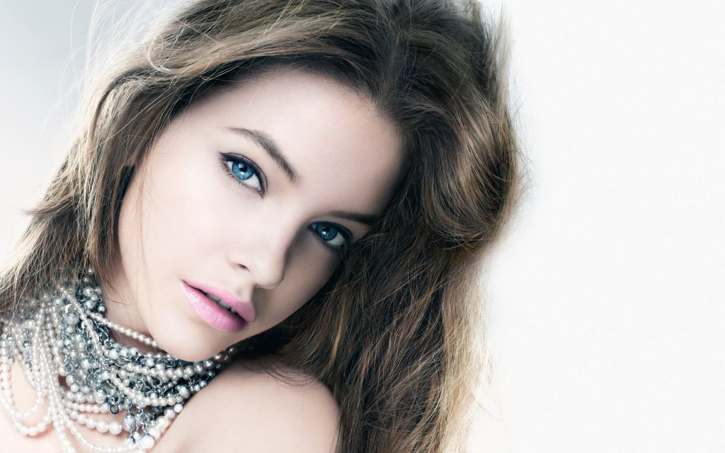 Barbara Palvin HD Widescreen Background