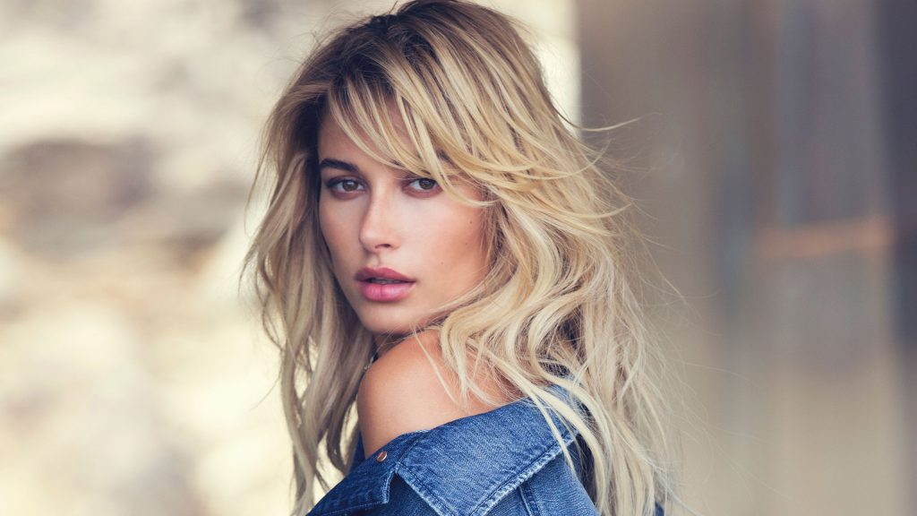 Hailey Baldwin Quad HD Background
