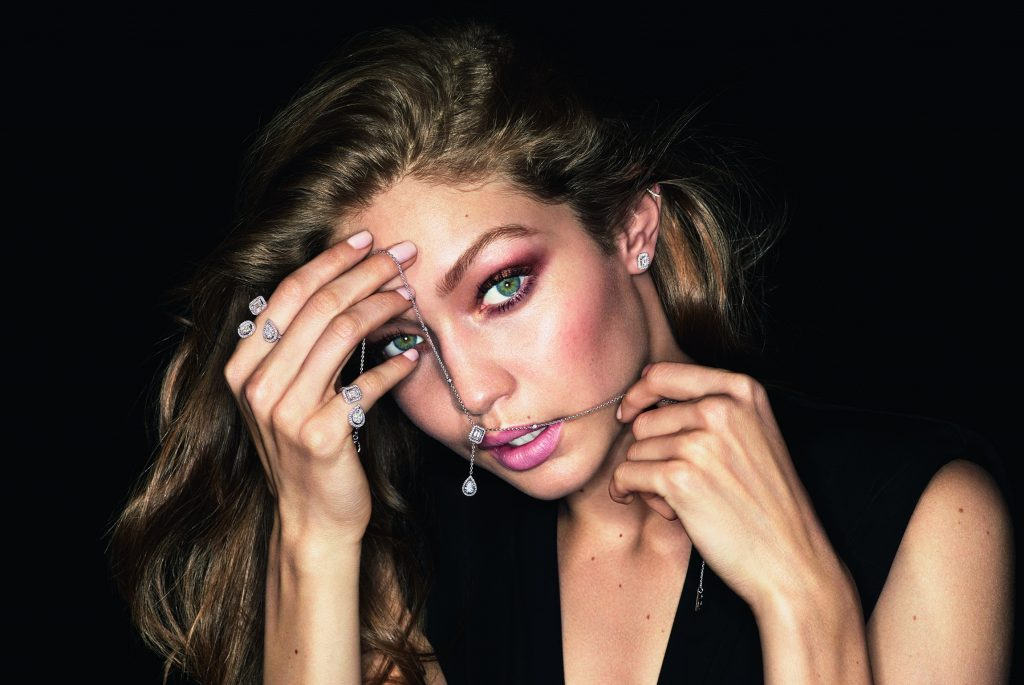 Gigi Hadid HD Wallpaper