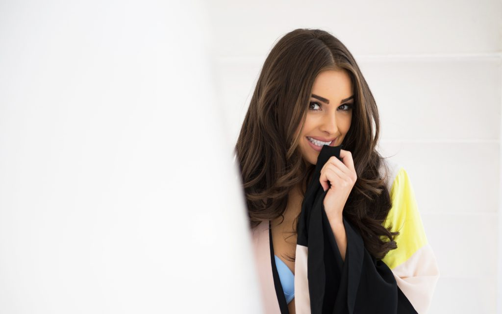 Olivia Culpo Widescreen Background