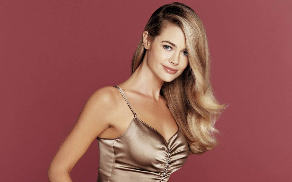 Denise Richards Widescreen Wallpaper