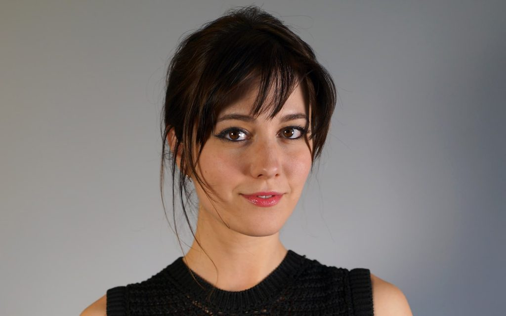 Mary Elizabeth Winstead Widescreen Background