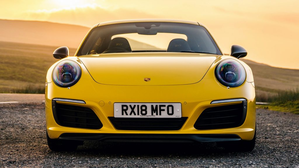 Porsche 911 Carrera T Full HD Wallpaper